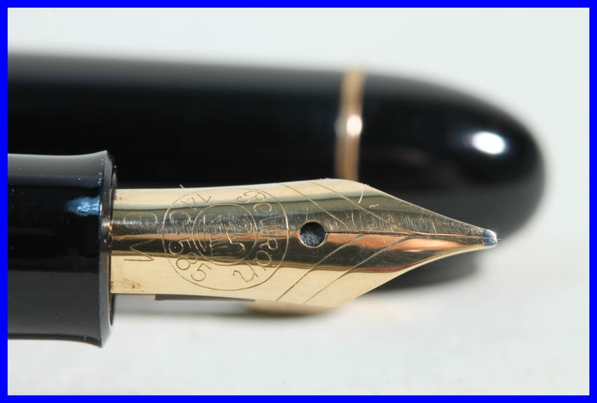 gr n schwarz gestreifter pelikan 140 f ller fountain pen ob nib perfect ebay. Black Bedroom Furniture Sets. Home Design Ideas
